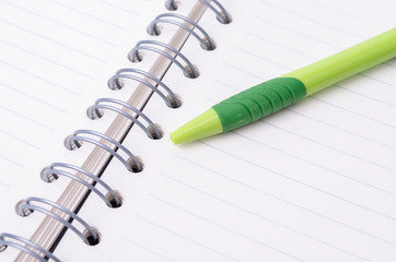Note and pen with copy space