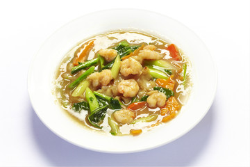 Rad na fry noodle with shrimp on white background