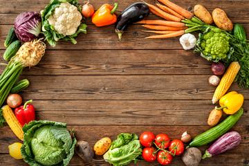 Foto op Plexiglas Groenten Frame of assorted fresh vegetables