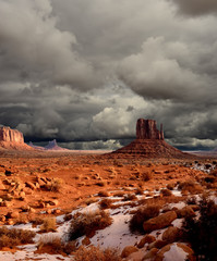 Fototapete - Cloudy Skies Monument Valley