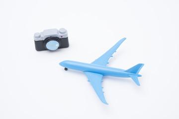 飛行機とカメラの置物