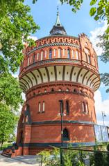 Bydgoszcz, wysoka na 45 m wieża ciśnień w stylu neogotyckim z 1899 roku. W wieży znajduje się Muzeum Historii Bydgoskich Wodociągów a na jej szczycie jest galeria widokowa.
