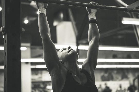 woman doing lifting up