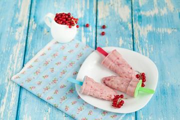 Yogurt and berries ice cream pops