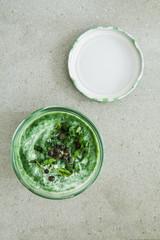 Detoxsuppe im Glas