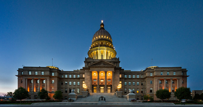 Wide view of the boise capital building