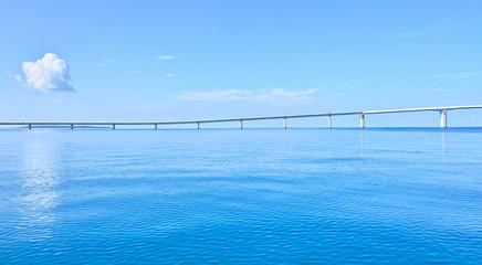 海上から見た伊良部大橋