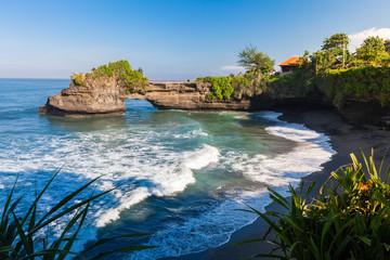 Pura Batu Bolong , Tanah Lot, Bali