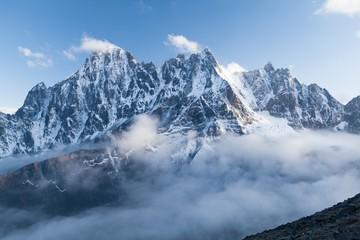 Fototapete - View of Lobuche Peak from Kala Patthar, Solu Khumbu, Nepal