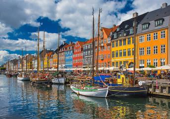 Foto op Canvas Europese Plekken Colorful houses at Nyhavn, Copenhagen, Denmark