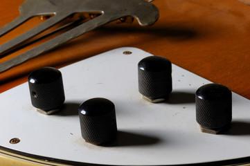 Klangregler einer E-Gitarre