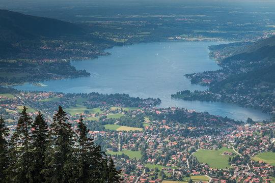 Der Tegernsee in Bayern vom Wallberg aus