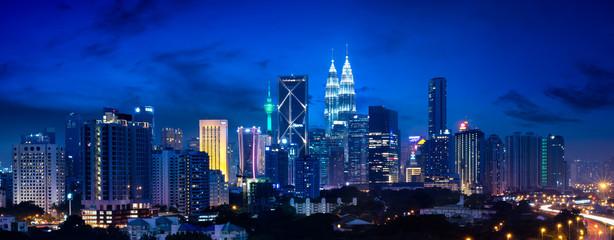 Poster Kuala Lumpur Kuala lumpur skyline at night, Malaysia
