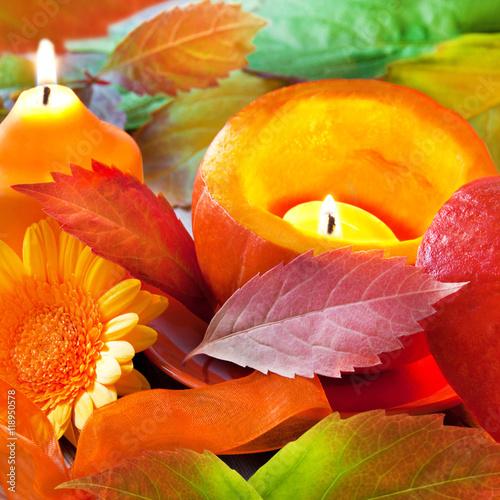 Herbst  Dekoration mit Kerze und Kürbis Stock photo and
