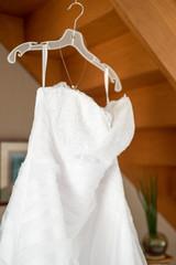 Robe de mariée sur cintre