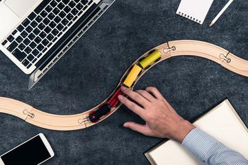 オフィスイメージと列車