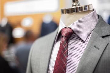 strój manekin elegancja ubiór garnitur