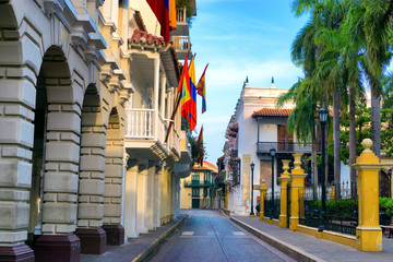 Fototapete - Bolivar Plaza in Cartagena, Colombia