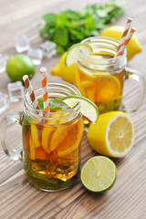 Ice tea with fresh lemons