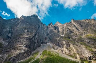Wall Mural - Troll Peaks Norway