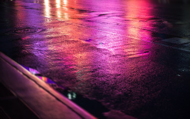 NYC streets after rain with reflections on wet asphalt Fotomurales