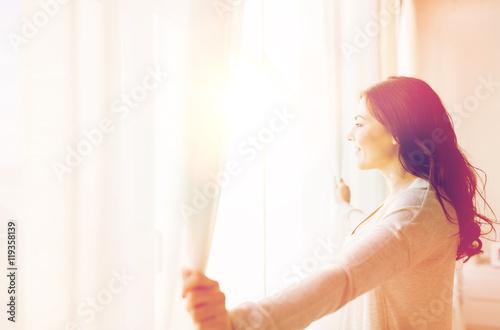 Девушки и женщины дышут своим воздухом и потеют дома  89489