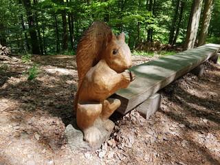Eichhoernchen, Holzkunstwerk, Holzschnitzerei