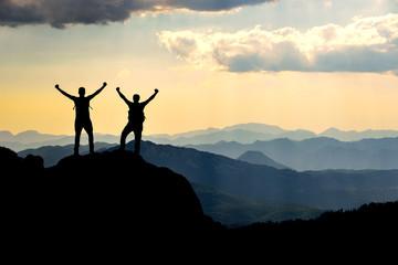 gerçek zirve başarısı & sıradağları keşfetmek