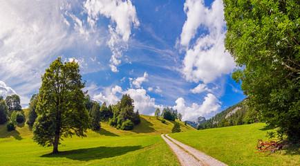Wandern im Simmental, Berner Oberland, Schweiz