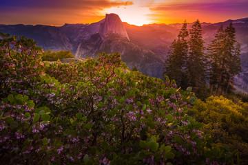 Fotobehang Zonsondergang Yosemite National Park Sunrise Glacier Point