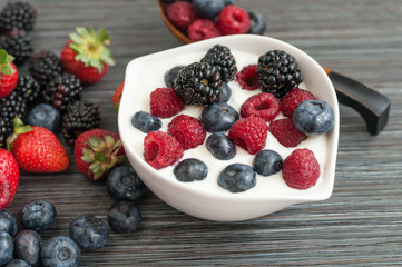 yogurt with forest berries