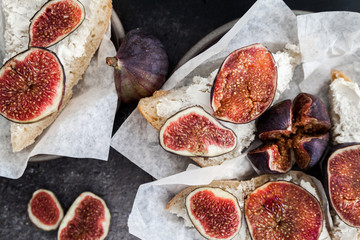 Goat cheese crostini with figs