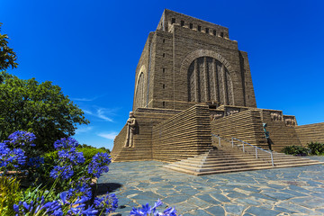 Poster Afrique du Sud Republic of South Africa. Pretoria. Massive granitic Voortrekker Monument commemorating the Pioneer history of Southern Africa