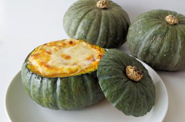丸ごとかぼちゃグラタン