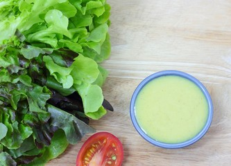 Salad dressing with vegetable