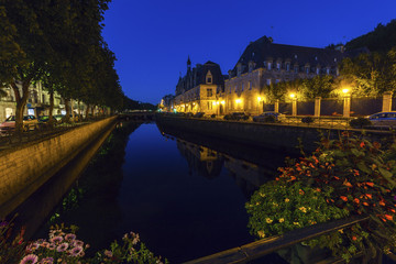 Fototapete - Quimper architecture along the river