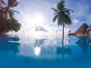 Pool auf im Paradies