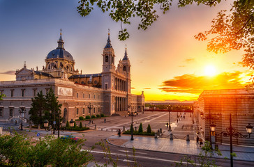 Foto auf Leinwand Madrid Sunset view of Cathedral Santa Maria la Real de La Almudena in Madrid, Spain