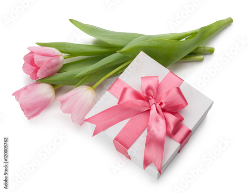 tulip and gift box isolated on white background photo libre de droits sur la banque d 39 images. Black Bedroom Furniture Sets. Home Design Ideas