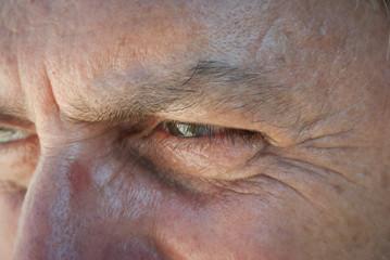 Occhi verdi d'uomo