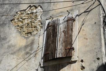Gronzjan, Istrien, Kroatien, Fenster, Fensterladen, Mauer, Fensterläden,  Verputz