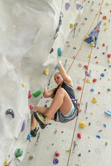 Workout an der Indoor-Kletterwand
