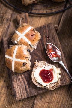 hot cross bun with clotted cream