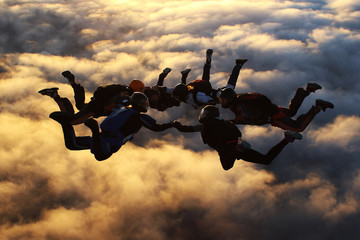Photo sur Aluminium Aerien Sunset skydiving
