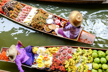Autocollant pour porte Bangkok Damnoen Saduak floating market, The famous attractions of Ratchaburi. Launched to the world as the source. The first tour since 2510.