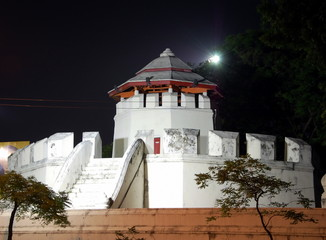 Pom Phra Sumen Fort at night light in Bangkok, Thailand