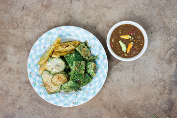 Shrimp paste sauce and vegetable fritters