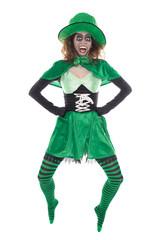 Springender lustiger Leprechaun, isoliert vor Weiß, St. Patrick
