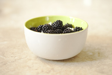 cereal with blackberries