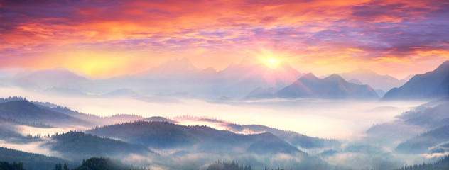 Wall Mural - Dawn above the village of Vorokhta